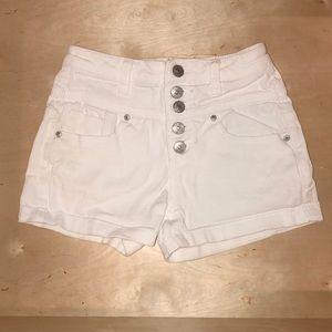 High waisted white jean shorts 🌻